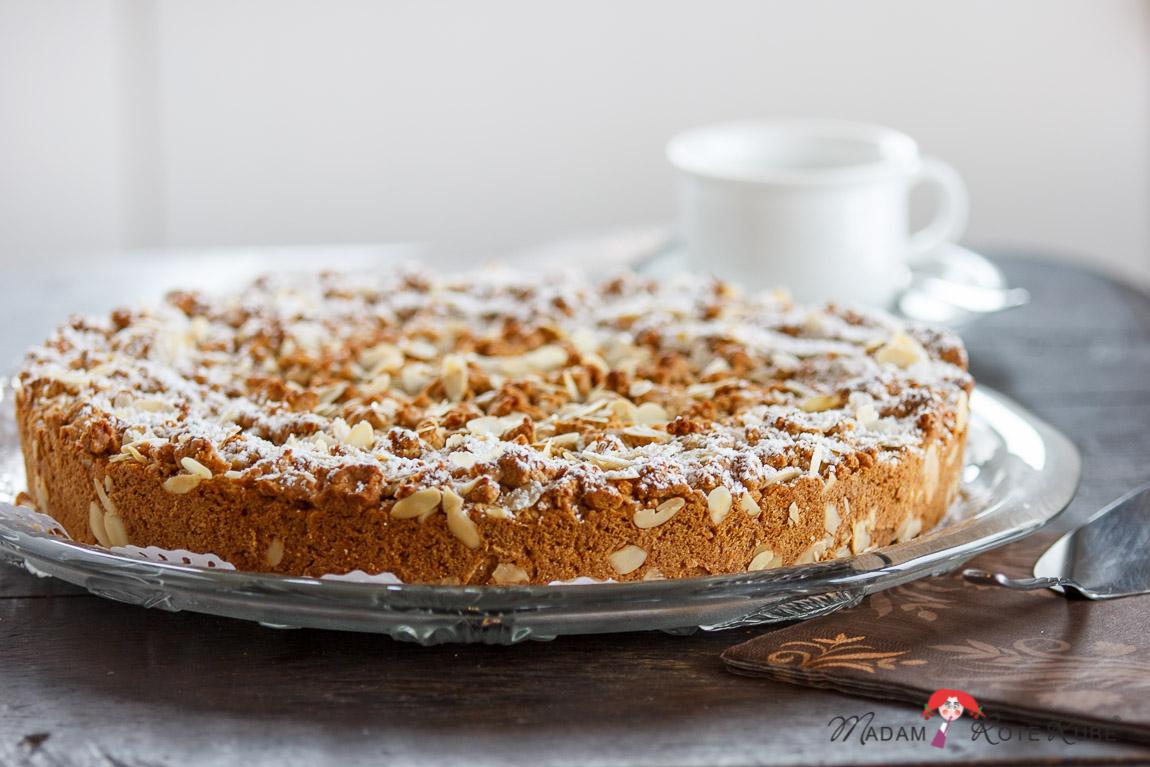 Madam Rote Rübe - Kirsch-Streuselkuchen mit Mandeln