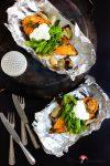 Ofengebackene Süßkartoffel mit knackfrischen Zuckererbsen & Knoblauch-Dip