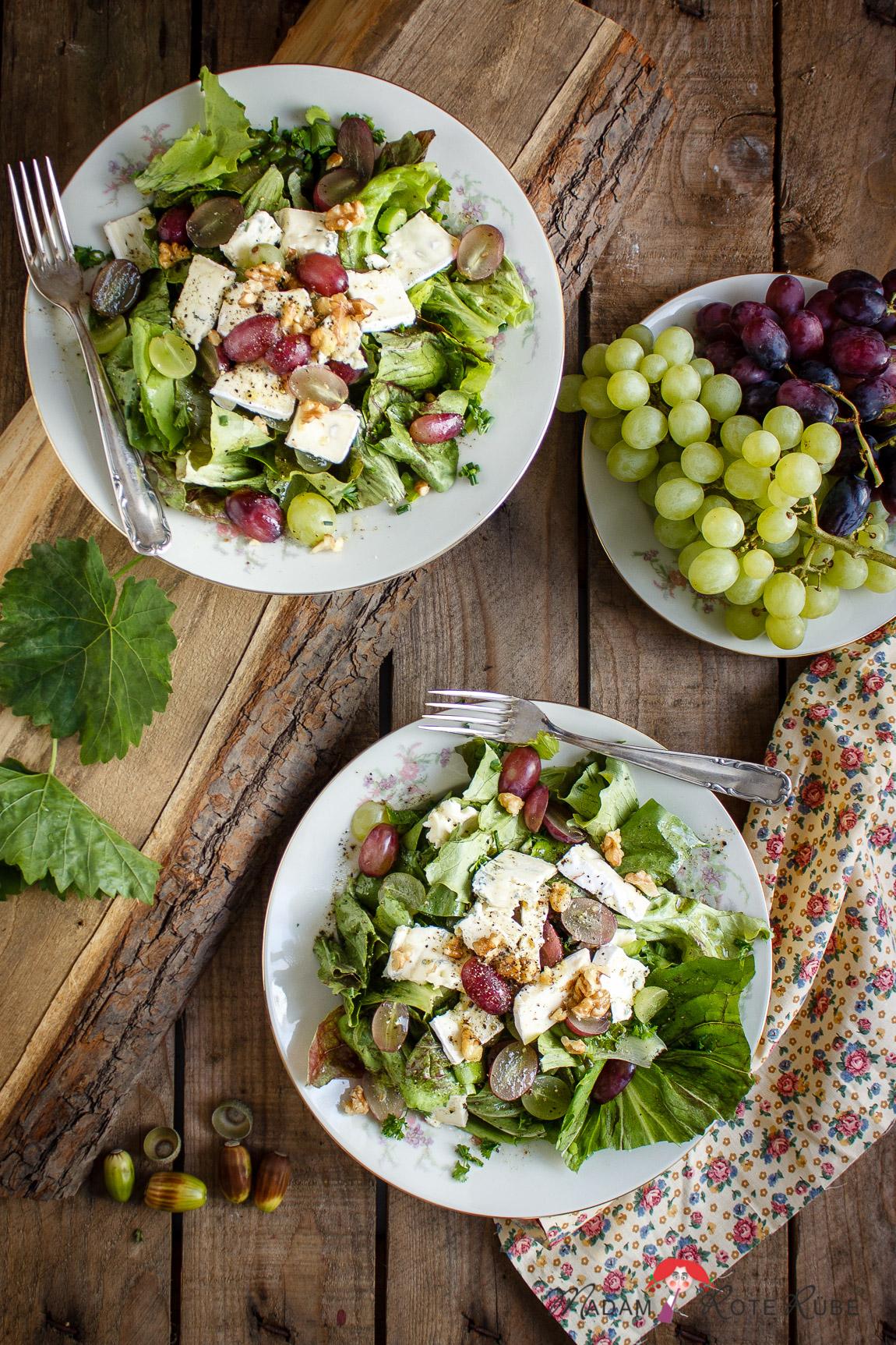 herbst bunte bl tter dann bitte auch k se trauben salat madam rote r be. Black Bedroom Furniture Sets. Home Design Ideas