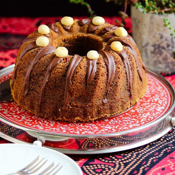 Madam Rote Rübe - schokoladiger Bananen-Bundkuchen mit Macadamianüsse