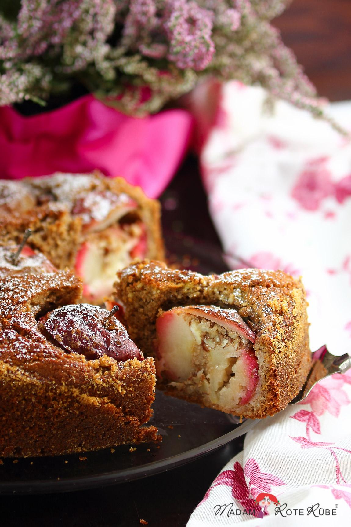 Madam Rote Rübe - Bratapfelkuchen mit Eierlikör-Mandelfüllung