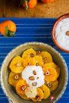 Zitrussalat mit Datteln & Haselnuss-Sahne-Creme – leuchtende Sonnen im Wintergrau