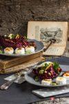 Knackiger Rotkohlsalat mit Birne an Holunder-Balsamicoessig & karamellisiertem Ziegenkäse