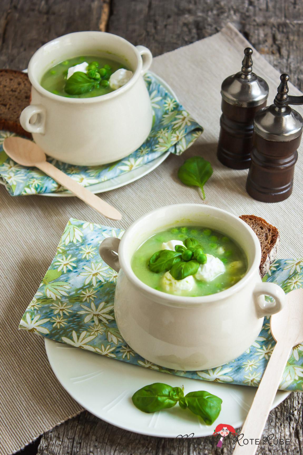 Madam Rote Rübe - Basilikum-Erbsen-Suppe mit Ziegenkäsebällchen