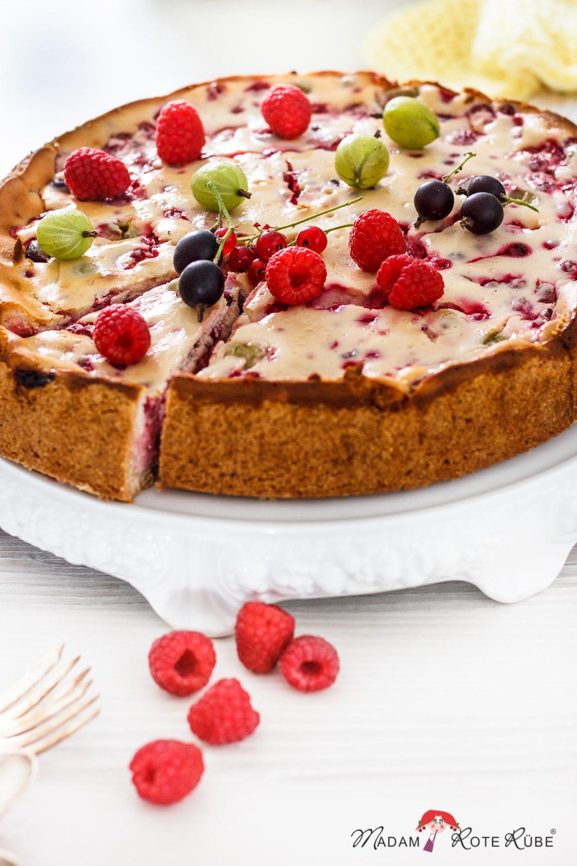 Beeren Kuchen Mit Vanille Quarkcreme Mit Jedem Bissen Sommerlaune