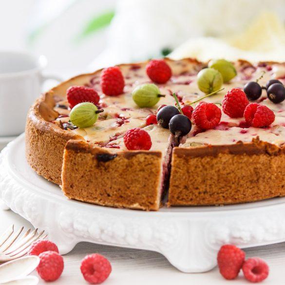 Madam Rote Rübe - Beeren-Kuchen-mit Vanille-Quarkcreme