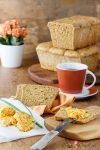Möhren-Dinkel-Toastbrot mit Möhren-Schnittlauch-Butter