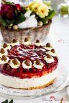 Rezept für eine frisch-fröhliche Ostertorte: Himbeer-Käse-Sahne-Torte