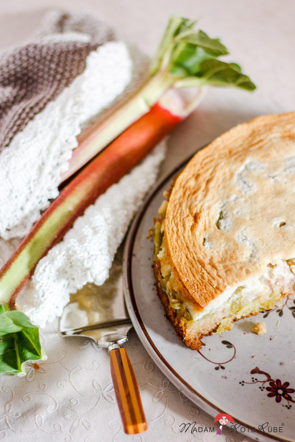 Dinkelvollkorn Rhabarberkuchen Mit Honig Mandel Baiserhaube Das Suss