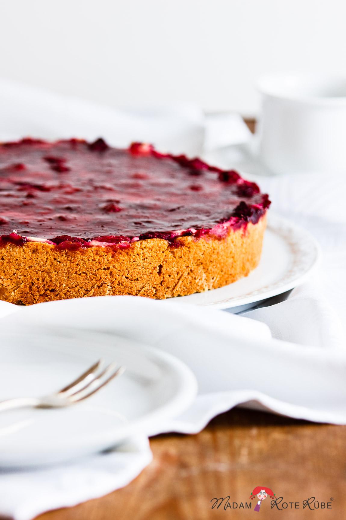 Madam Rote Rübe - Himbeer-Schmand-Kuchen mit Hirse und Dinkelvollkorn