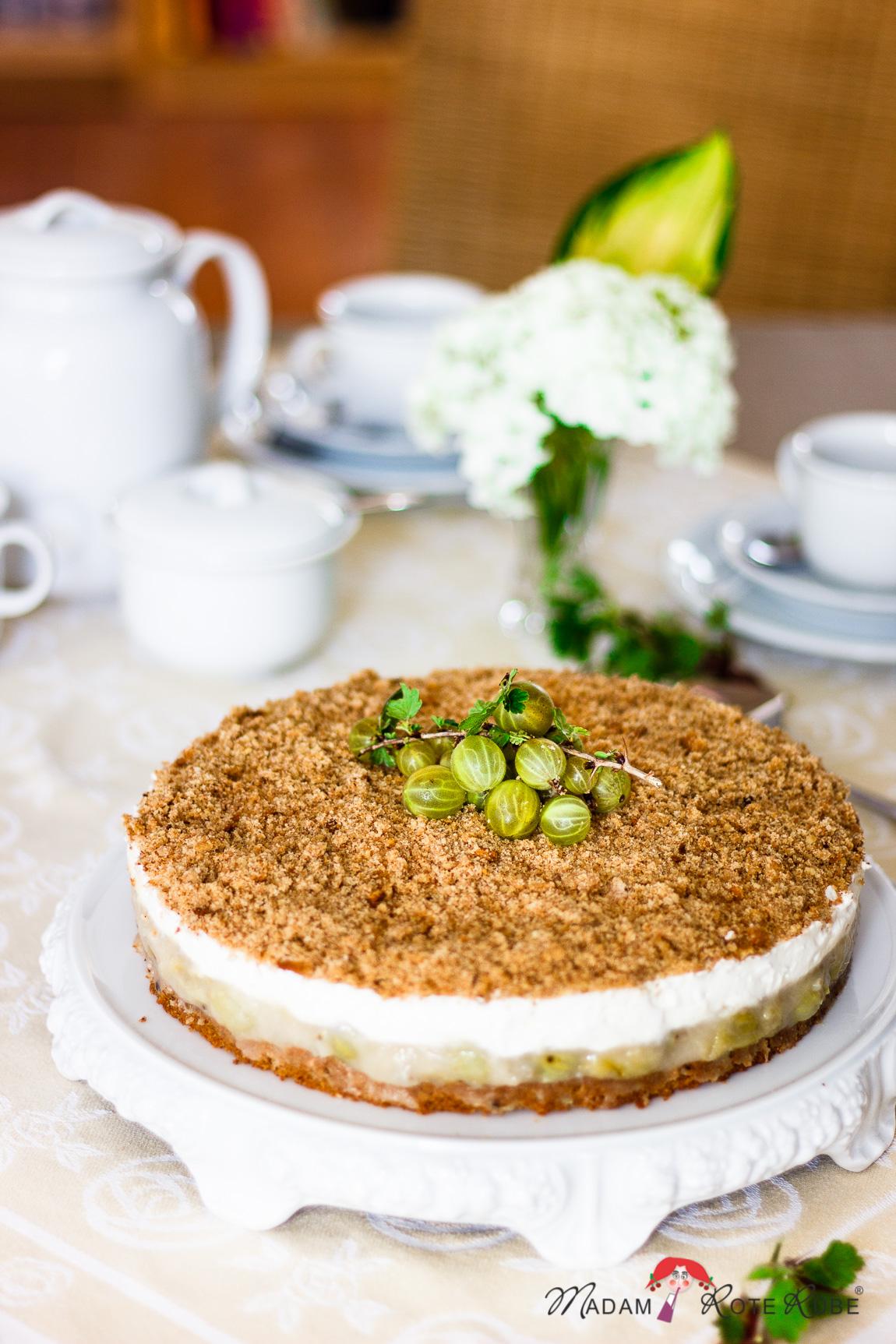 Madam Rote Rübe - Stachelbeer-Dinkelvollkorn-Torte mit Haselnusskrümel