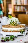 Stachelbeer-Dinkelvollkorn-Torte mit Haselnusskrümel – fruchtig, säuerlich, saftig, sahnig, nussig