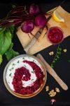 Rote Bete-Chutney mit Ziegenkäse-Walnuss-Creme – zwei Brotaufstriche auf einem Streich