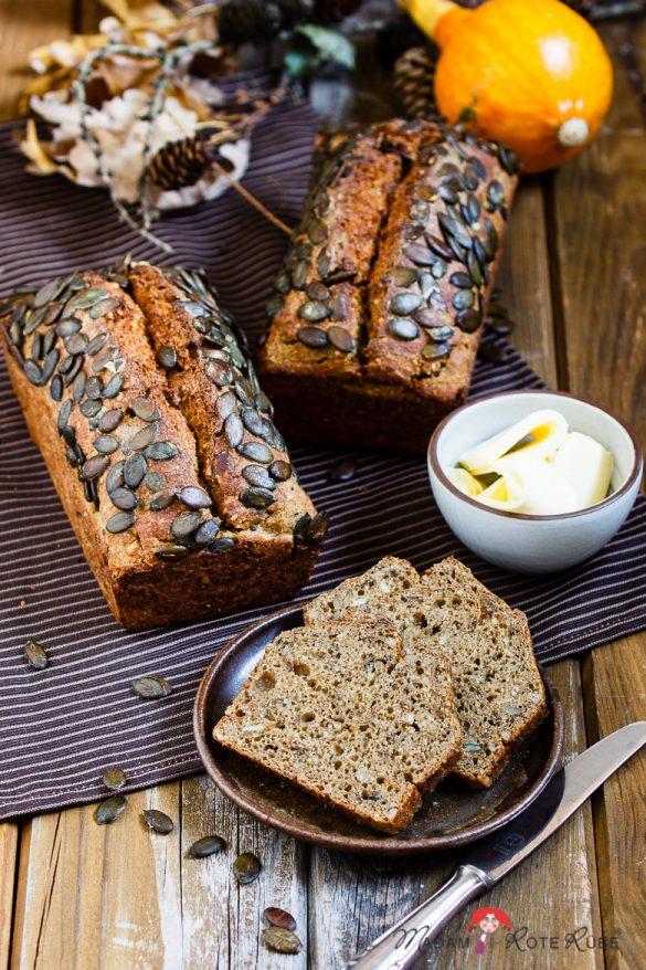 Herbstliches Kürbisbrot mit Buttermilch & Saaten – blitzschnell und saftig