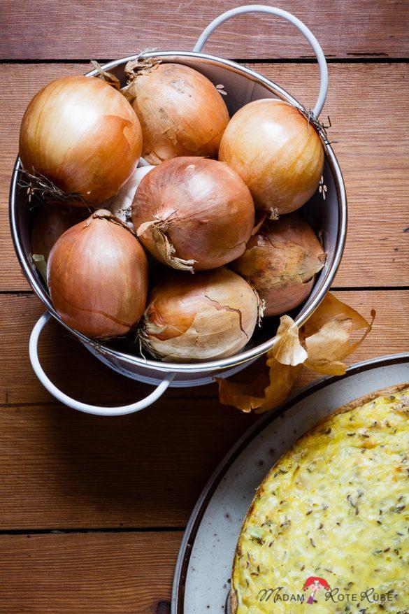 Leserwunsch: Lieblingsklassiker Pfälzer Zwiebelkuchen bei uns auf dem Tisch – am besten mit Federweißer