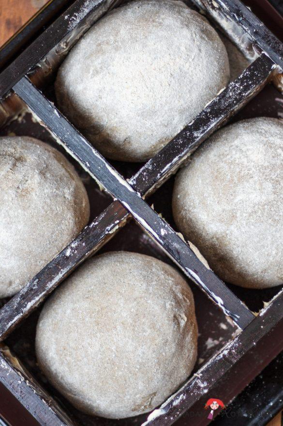 Westricher Wackersteine – reines Roggenvollkornbrot gebacken im Holzbackrahmen