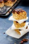 Buttermilch-Hefeblechkuchen mit einer Schoko-Nuss-Decke  – ein Muss für Nussliebhaber