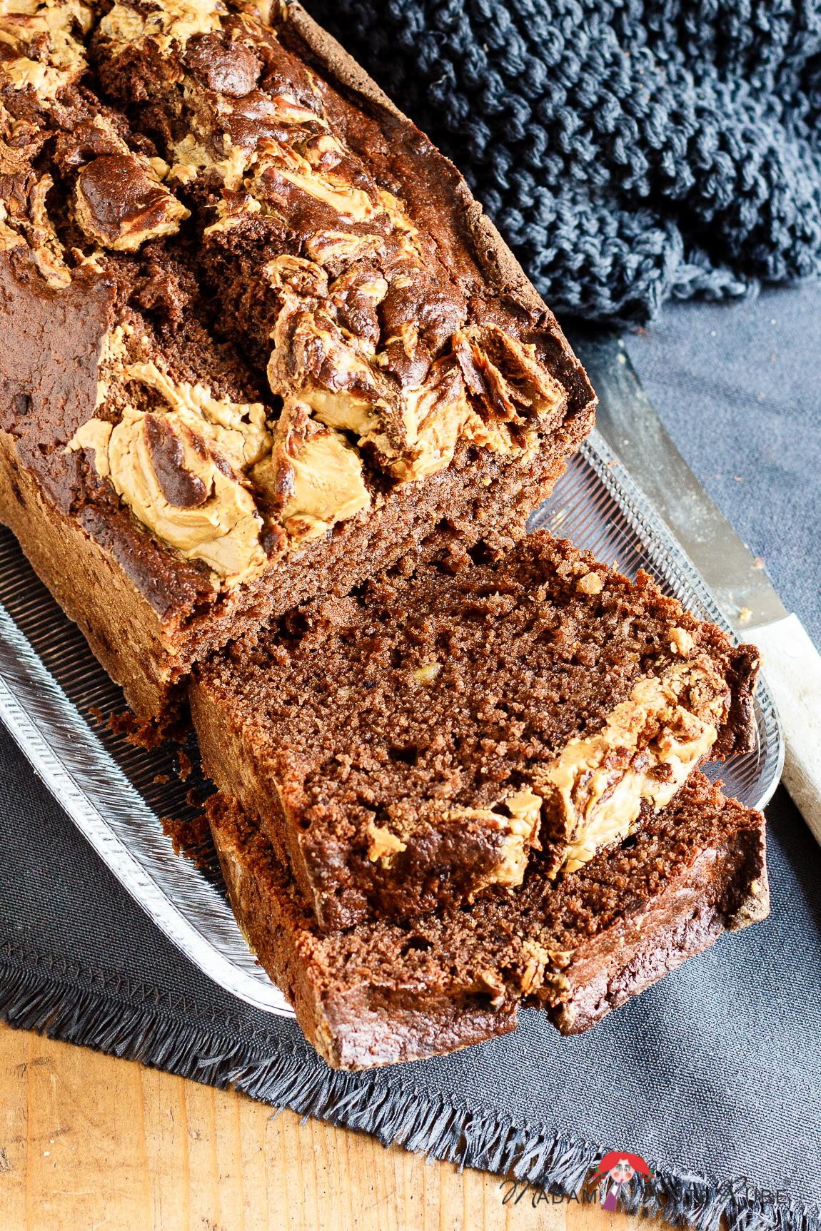 Inspirieren ließ ich mich für sen Kuchen von dem Bananenbrotrezept auf dem Blog Zucker Zimt und Liebe