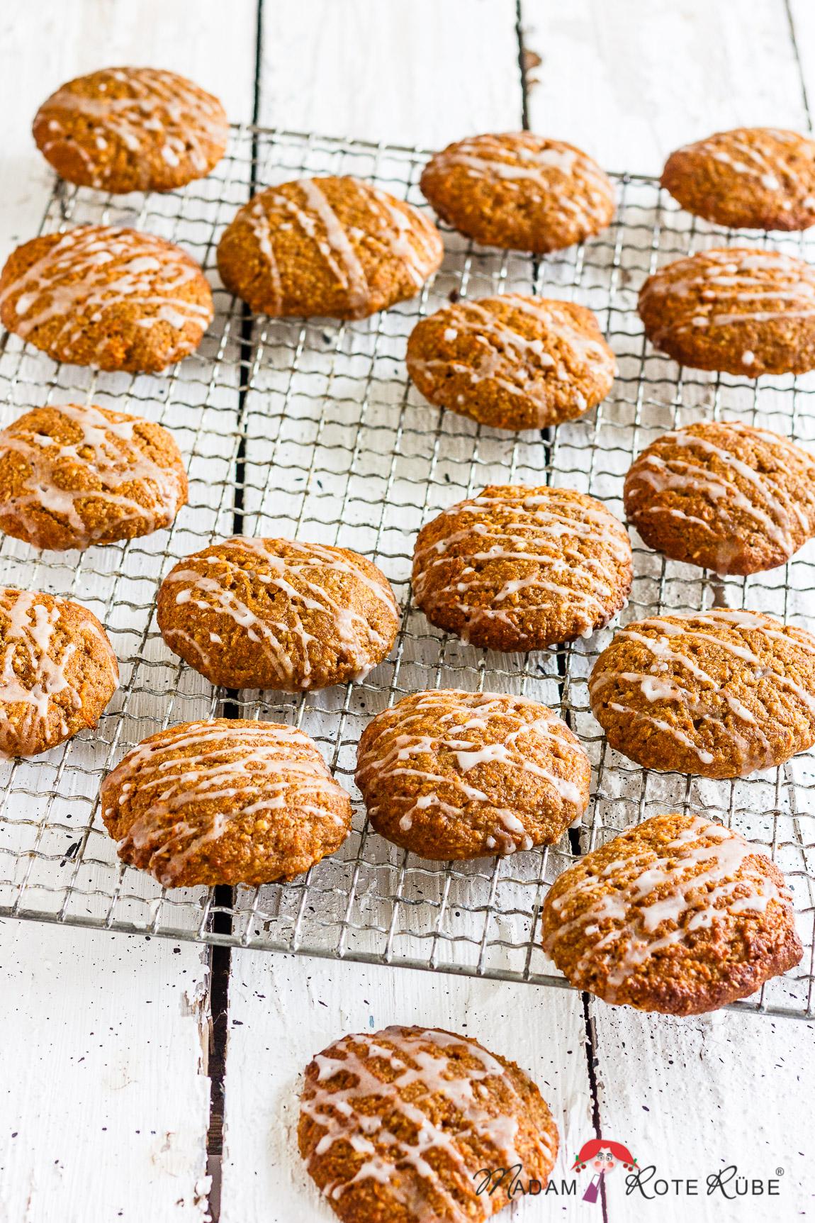 Madam Rote Rübe - Vegane Möhren-Apfel-Cookies mit Dinkelvollkorn