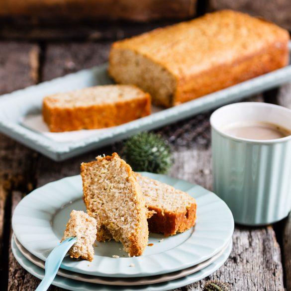 Madam Rote Rübe - Kokos-Eiweiß-Kuchen mit Honig und Ingwer in der Vollkornvariante