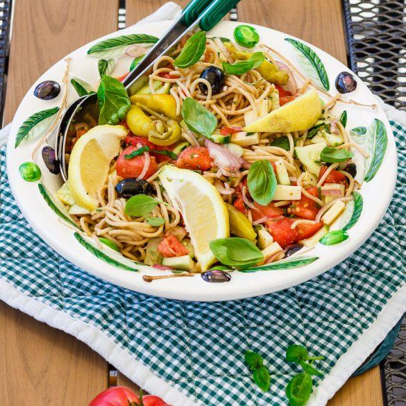Madam Rote Rübe - Spaghettisalat mit Tomate u. Gurke