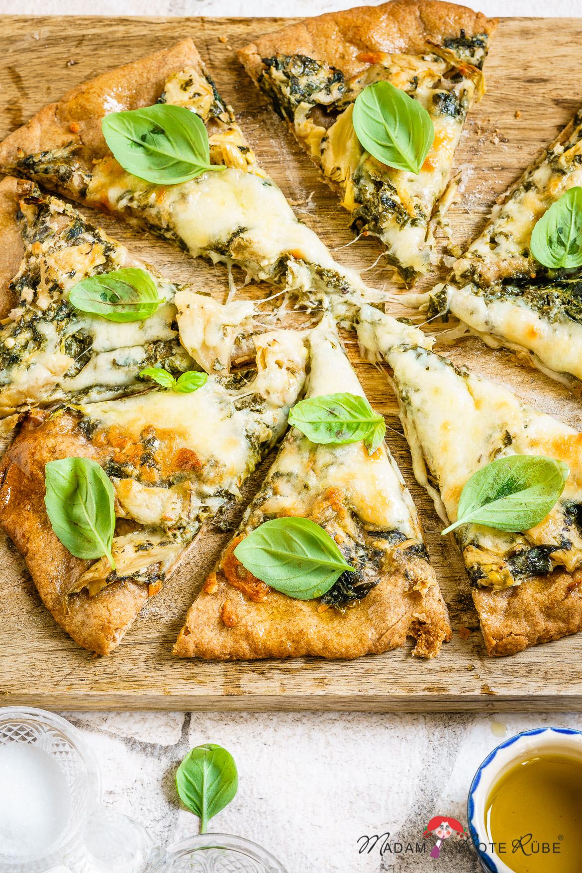 Madam Rote Rübe - Weiße Spinat-Artischocken-Vollkornpizza mit Sauerteig