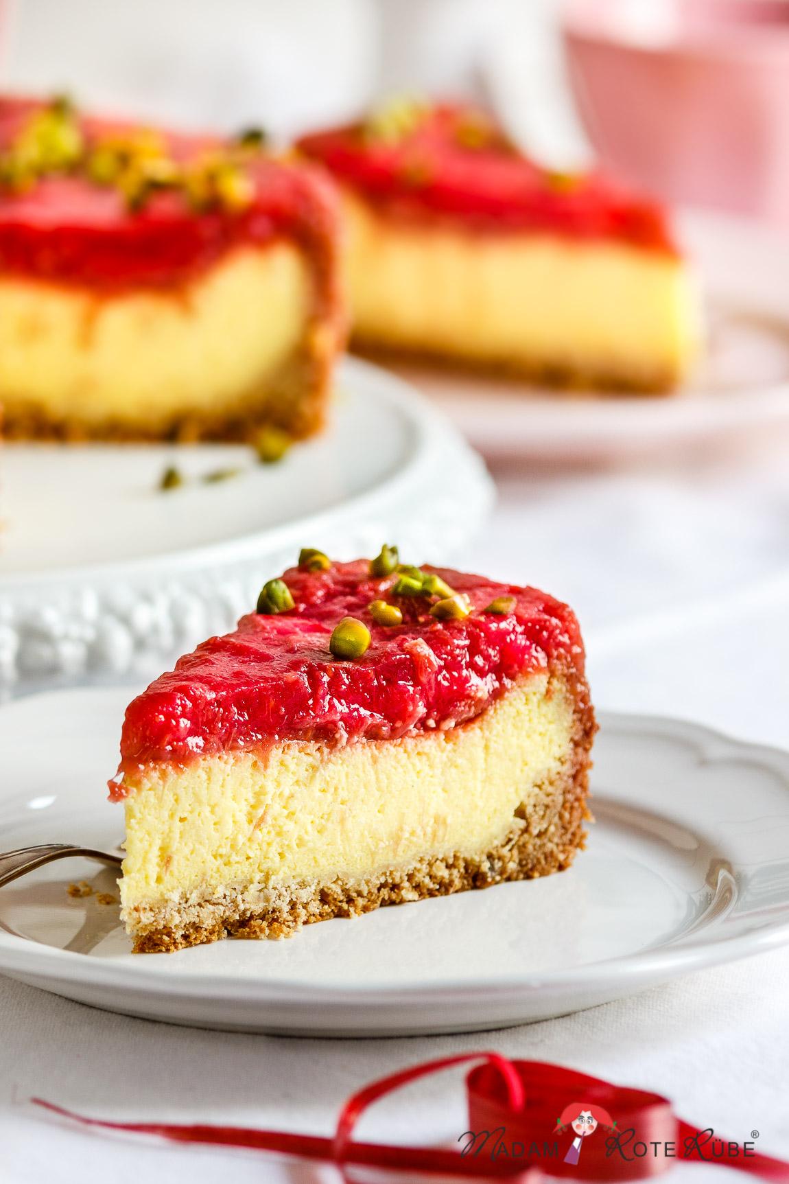 Madam Rote Rübe - Grießpudding-Kuchen mit Rhabarber-Himbeer-Kompott
