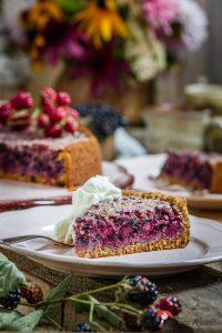 Madam Rote Rübe - Holunder-Brombeer-Kuchen aus