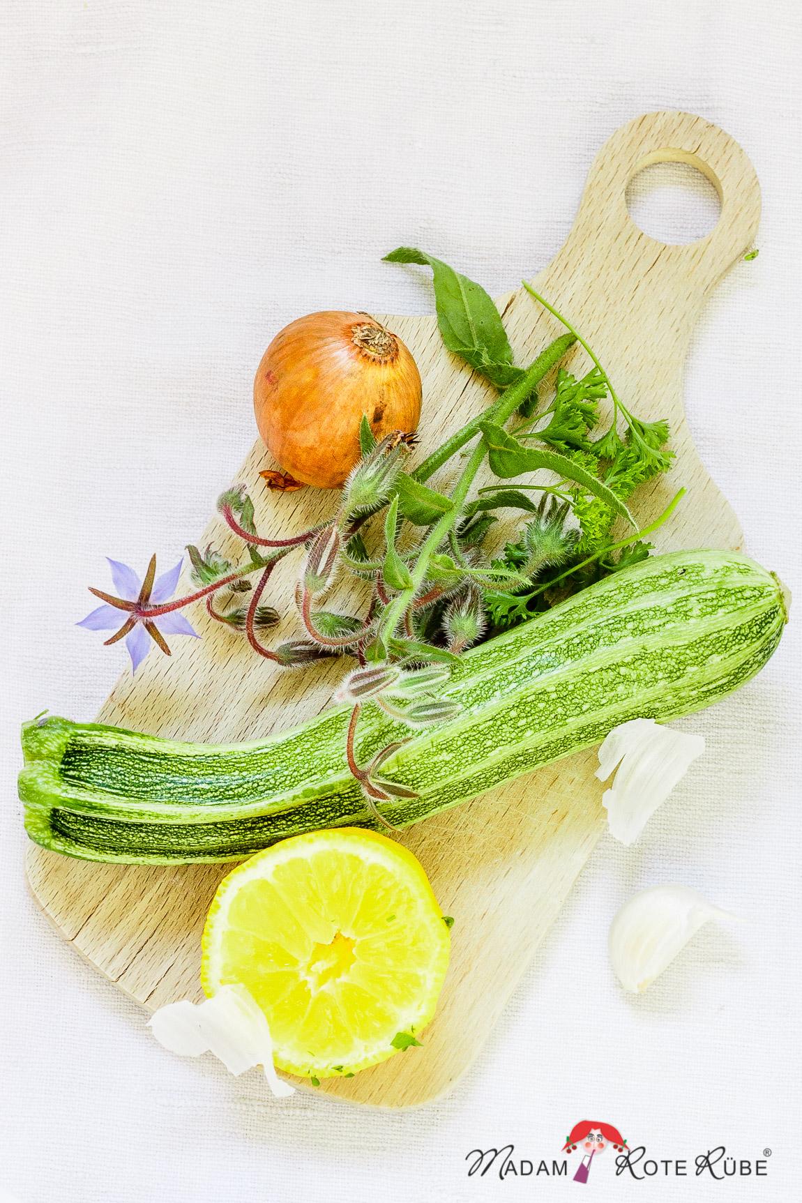 Madam Rote Rübe - zitronige Zucchinisuppe auf türkisch