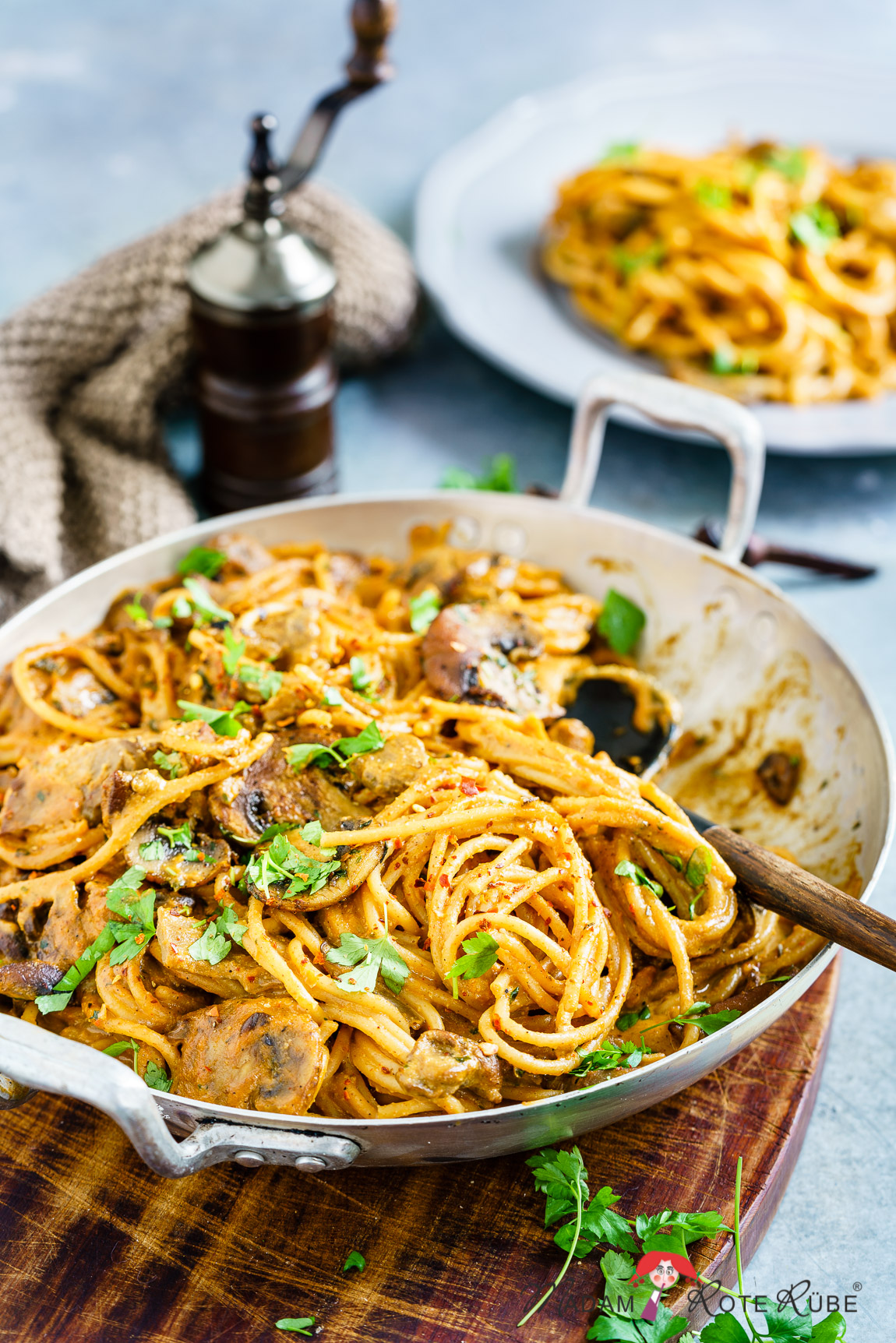 Madam Rote Rübe - Spaghetti in rauchiger Pilzrahm-Sauce