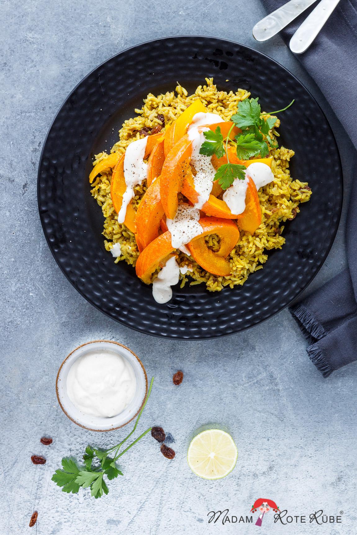 Madam Rote Rübe - Ofenkürbis auf orientalischem Reis mit Sesam-Creme