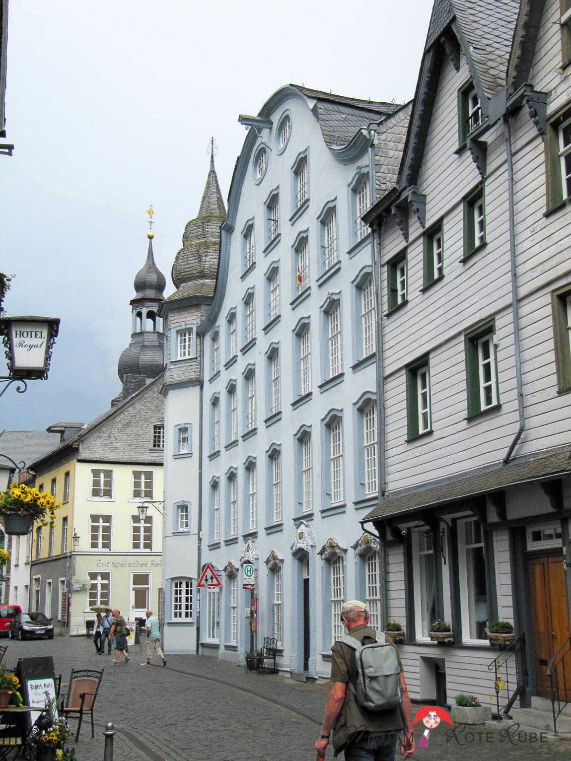 Madam Rote Rübe - Salted Caramel Erdnuss-Riegel ohne Backen und ein Ausflug nach Monschau/Eifel
