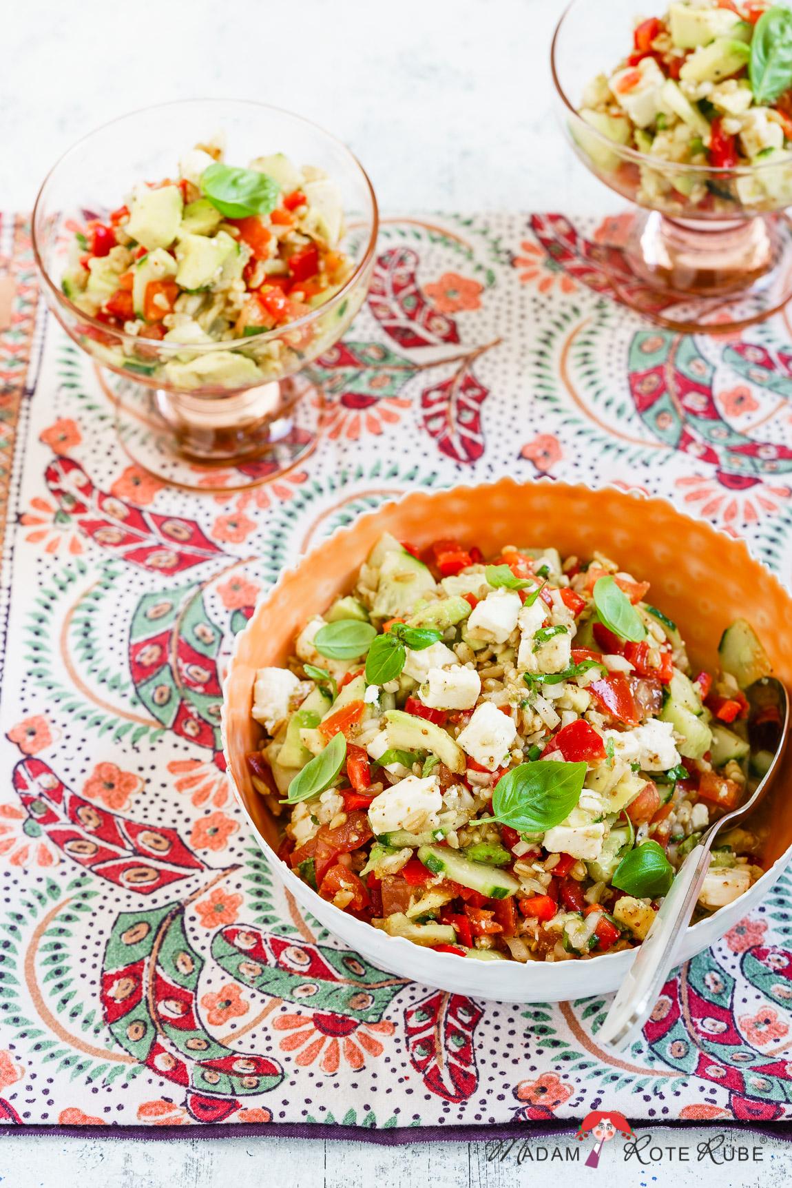 Madam Rote Rübe - Guacamole-Salat mit Hafer und Feta