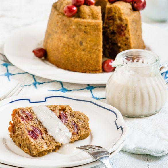 Madam Rote Rübe - Brotpudding mit Kirschen und Marzipan - zauberhafte Brotverwertung
