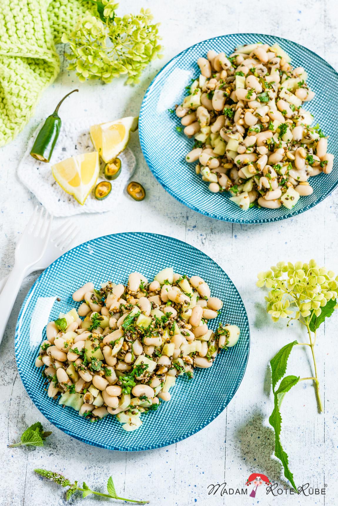 Madam Rote Rübe - Salat aus weißen Bohnen, Spitzpaprika, Kräutern und Pinienkernen