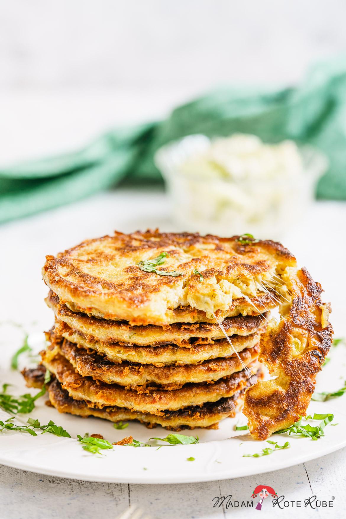 Käse-Eierpfannkuchen mit Dinkelvollkorn - Madam Rote Rübe