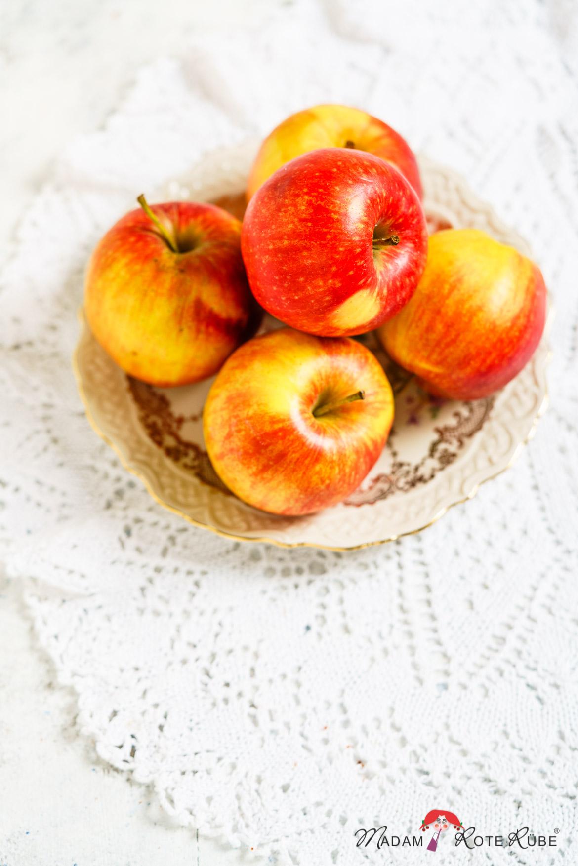 Madam Rote Rübe - Apfel-Quark-Krapfen aus Dinkelvollkornmehl vom Backblech