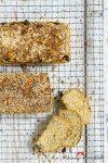 """Madam Rote Rübe - glutenfreies 100-%-Vollkornkörnerbrot & eine Buchvorstellung: """"Glutenfreies Fünf-Minuten-Brot"""" von Dr. J. Hertzberg / Z. Francois"""