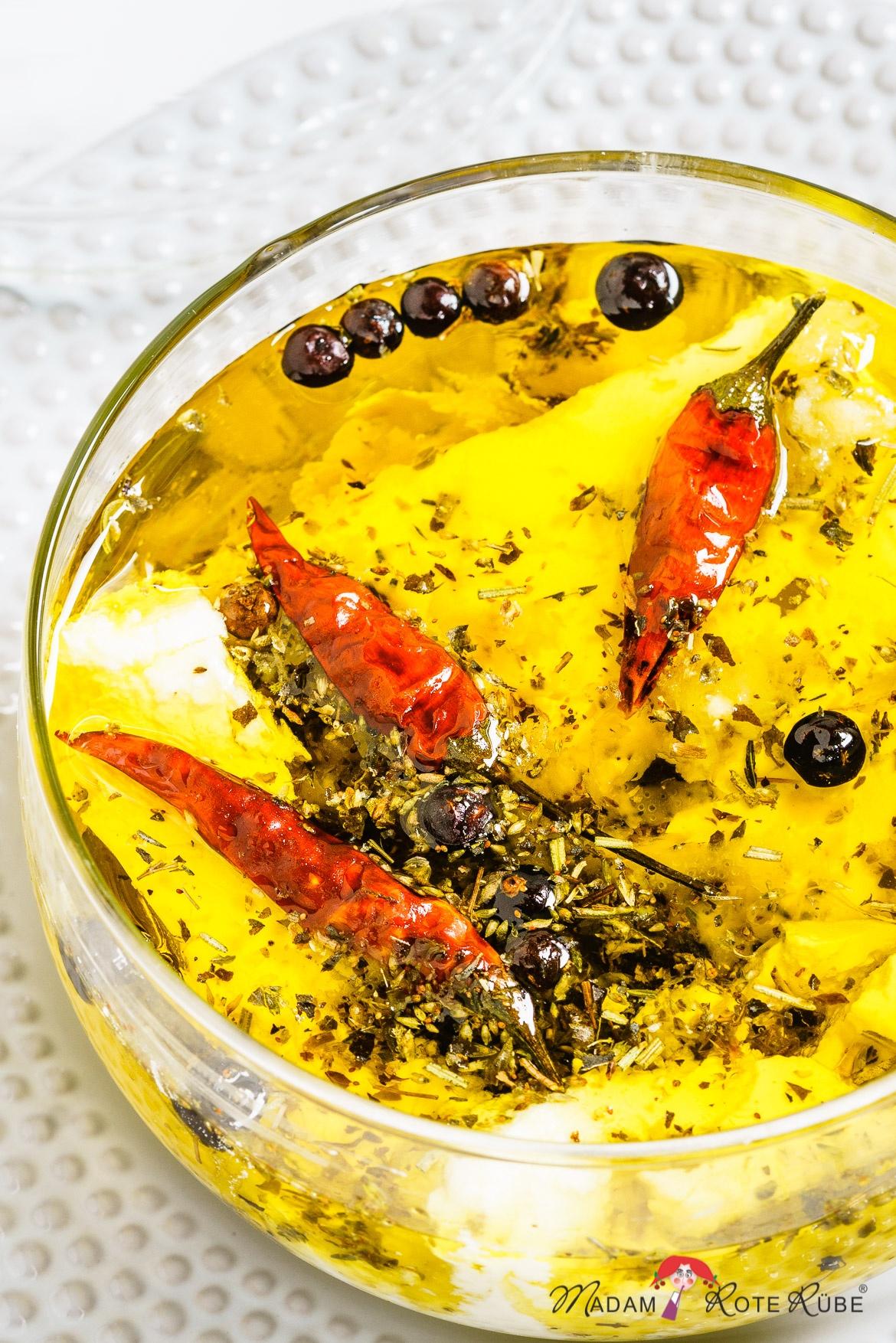 Madam Rote Rübe - Eingelegter Fetakäse in Olivenöl