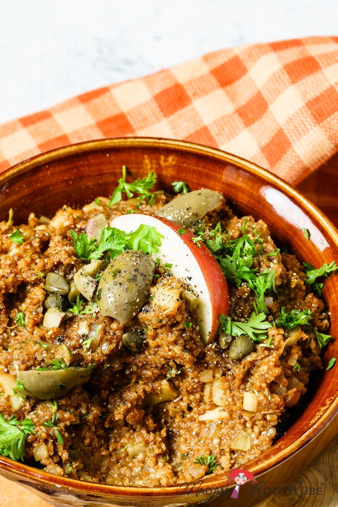 Madam Rote Rübe - Grünkernaufstrich mit Oliven à la Tatar