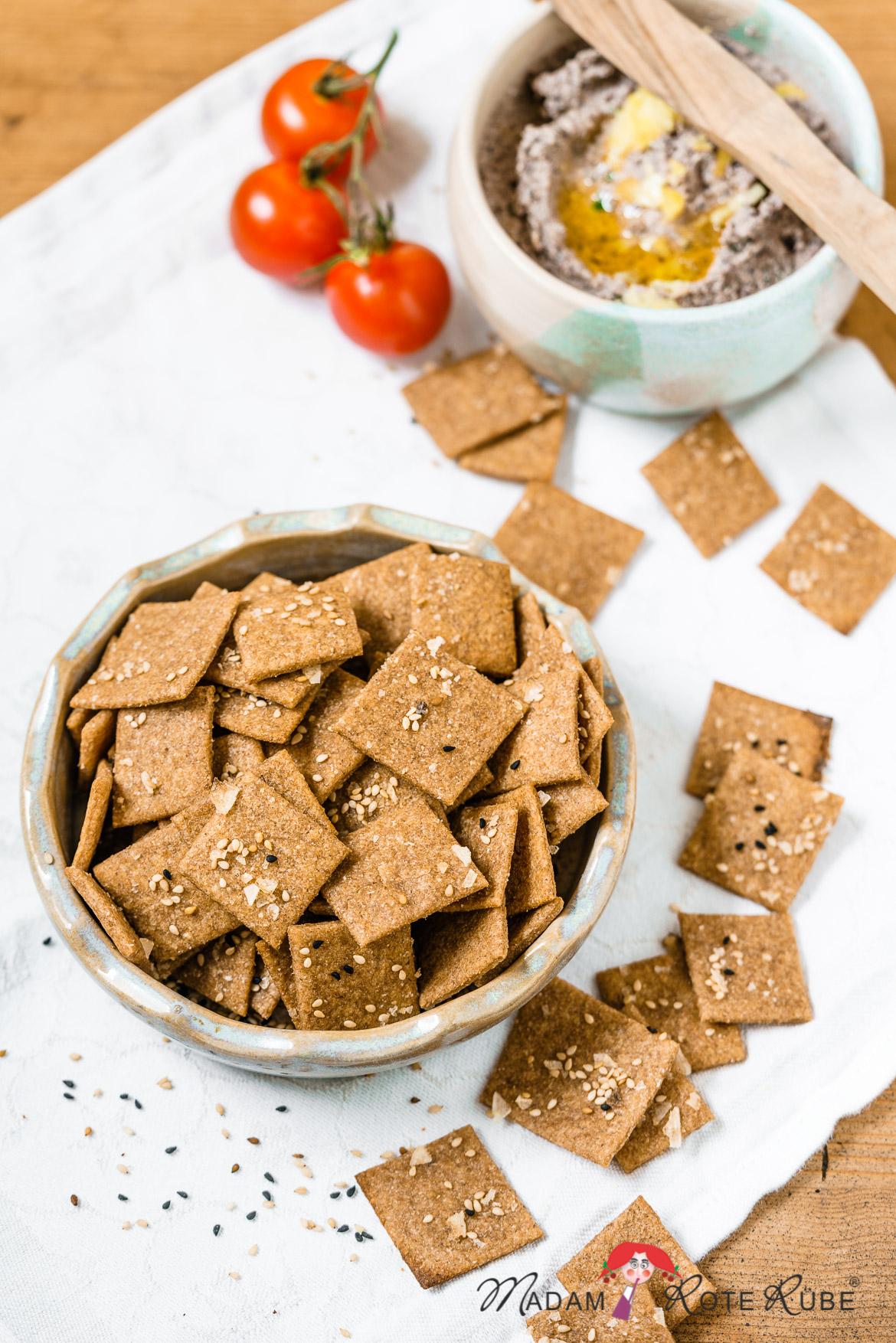 Madam Rote Rübe - Einfache Cracker in der Vollkornvariante mit Olivenöl und Salzflocken