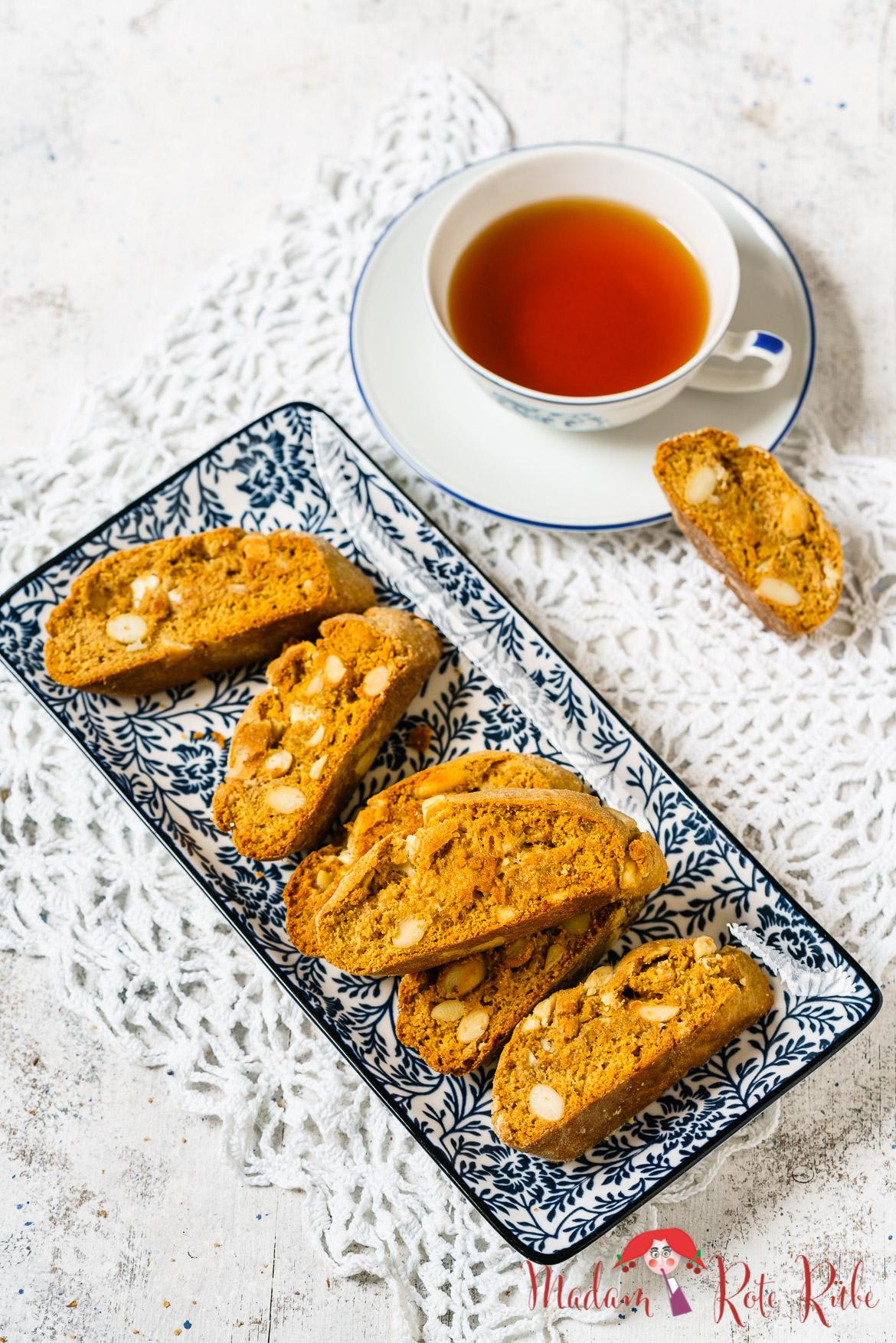Madam Rote Rübe - Mandel-Dinkelvollkorn-Cantucci mit weißer Schokolade